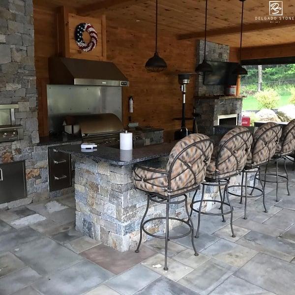 CT Blend Ashlar outdoor kitchen