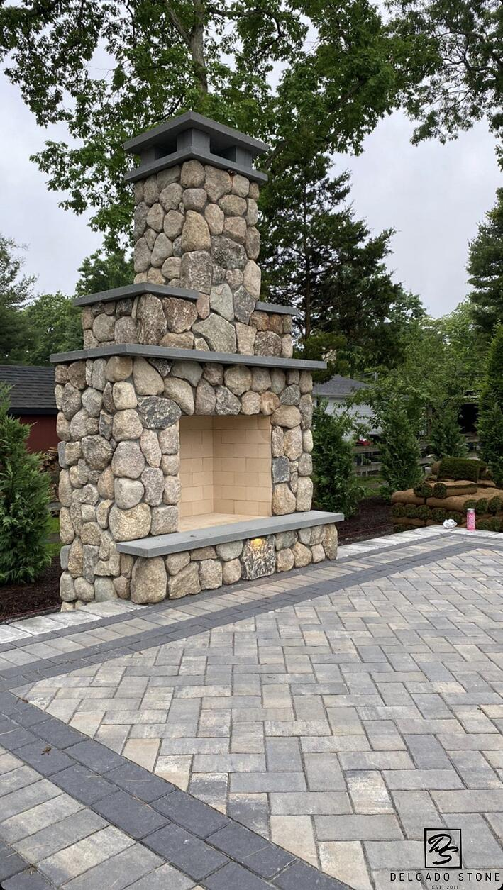 Old New England Rounds Outdoor Stone Veneer Fireplace
